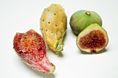 Prickly pears and figs, whole and halved