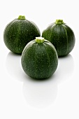 Drei runde Zucchini