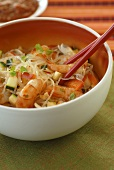Glass noodle salad with prawns (Thailand)