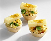 Shortcrust shells filled with fennel salad & Tilsit cheese