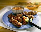 Chicken skewers with papaya guacamole