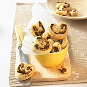 Palmiers with nut filling