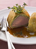 Veal fillet in bread crust with red wine sauce