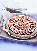 Fig tart with icing sugar