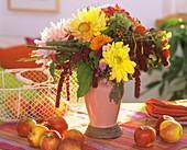 Blumenstrauß mit Dahlie, Fuchsschwanz, Aster, Hortensie