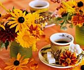 Sonnenhut, Studentenblumen, Ringelblume und Dahlie als Deko