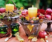 Kränzchen aus Äpfeln, Zieräpfeln, Hagebutten & Birkenzweigen