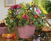 Herbststrauss mit Zierkohl, Dill, Efeu & Herbstchrysanthemen