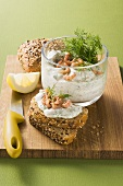 Shrimp salad with wholemeal rolls