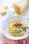 Spaghetti with tomatoes and Parmesan