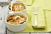 Spinach bake with cheese and flaked almonds