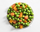 Peas and carrots in tin