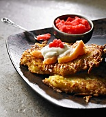 Potato rösti with salmon, sour cream and red caviar