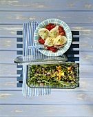 Mustard eggs with tomatoes and pulse salad with rocket