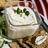 Herb quark with watercress and mustard seeds, crispbread