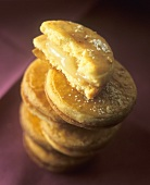 Sablés (French shortbread biscuits) with lemon curd