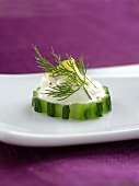 Cucumber appetiser with sour cream and dill
