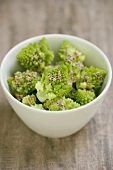 Romanesco with sesame butter