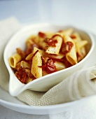 Penne all'amatriciana (Pasta with bacon & tomato sauce)