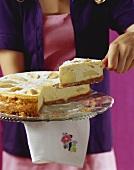 Apple cheesecake with zwieback (rusk) base