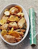 Hähnchen mit Orangen, Kartoffeln und Rosmarin (noch roh)