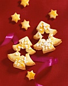 Fir tree biscuits with jam filling and pearl sugar