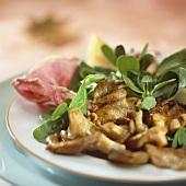 Feldsalat mit warmen Austernpilzen