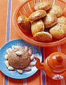 Sesame cake with almonds and aniseed scones (Morocco)