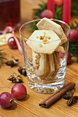 Biscuits with praline in glass