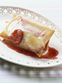 Spring roll with strawberries