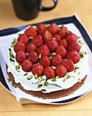 Strawberry gateau with avocado cream