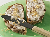 Wholemeal bread with date quark