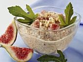 Fresh muesli with figs