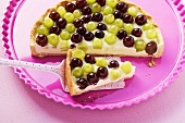 Grape tart with elderflower syrup