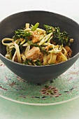 Ribbon noodles with salmon and broccoli (Asia)