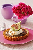 Fig tart with yoghurt