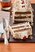 Yoghurt chocolate cake with amaretti