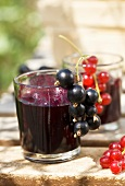 Red- and blackcurrant jelly