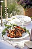 Coniglio alla toscana (Kaninchen mit Tomaten & Rosmarin)