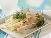 Salmon cutlet with fennel, cooked in Römertopf