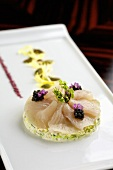 Marinated yellowfin tuna with caviar on crab and cabbage salad (Japan)