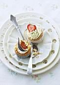Beeren-Matcha-Cupcakes und Feigen-Cupcakes