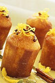 Lemon cakes with cloves