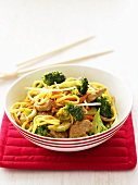 Egg noodles with pork and broccoli (China)