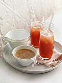 Chai tea and ice strawberrry tea