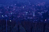 Blick auf Andlau bei Nacht, Elsass, Frankreich