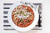 Zuppa di pomodoro e fagioli (Tomatensuppe mit Bohnen)