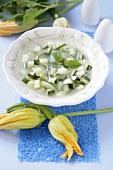 Zuppa di zucchini ed aglio (Zucchini-Knoblauch-Suppe)
