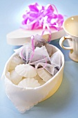 Tea and sugar to give as a gift