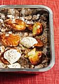 Baked Potatoes mit Creme fraiche auf Meersalz